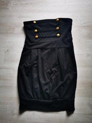 Kurzes schwarzes Kleid von Melrose