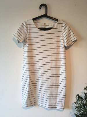 Kurzes Shirt Kleid
