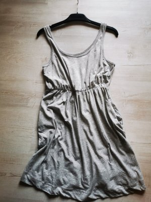 H&M Vestido de tela de sudadera gris claro