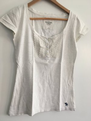 Kurzes T-Shirt mit Rüschen