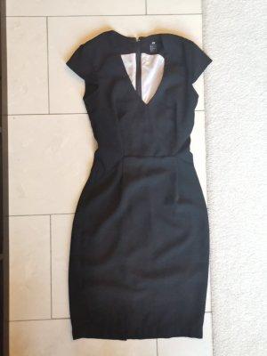 kurzes taliertes Kleid