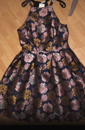 Kurzes ungetragenes Kleid-> Preisvorschläge
