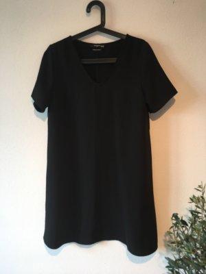 Kurzes weites Kleid