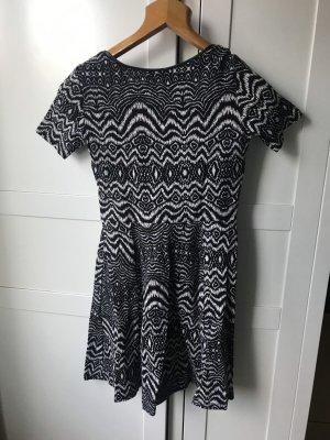 Kurzes Zebra Kleid