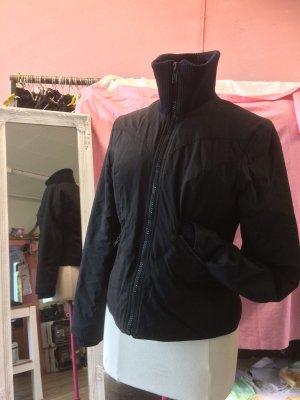 Kurzjacke schwarz und warm