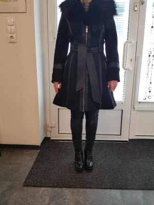Guess Short Coat black