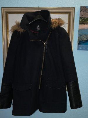 Kurzmantel Jacke mit Leder Fake Details u.A. an den Ärmeln