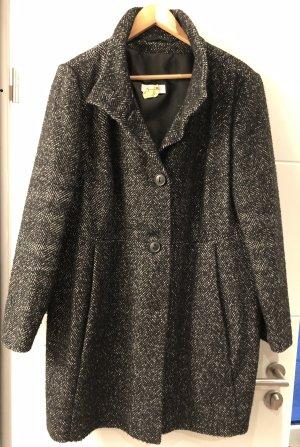 Short Coat black-white