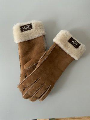 Kuschelige Handschuhe mit Lammfell von UGG