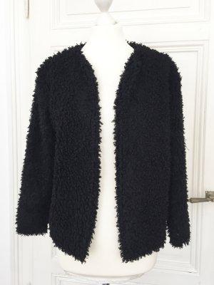 Kuschelige schwarze Jacke in Kunst-fell-Optik
