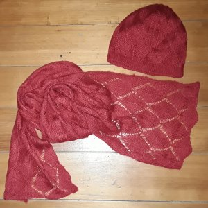 H&M Knitted Hat red wool