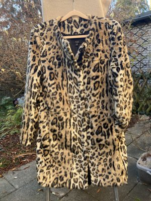 Kuscheliger Fake Fur Mantel in schönem Leomuster von 1.2.3. Paris