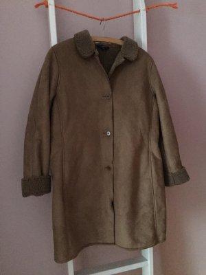 Kuscheliger Mantel aus Velourslederimitat