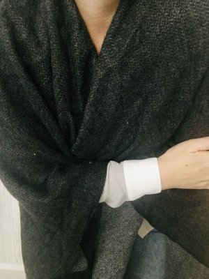 Only Poncho de punto gris oscuro-gris