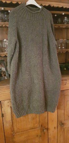 Długi sweter khaki