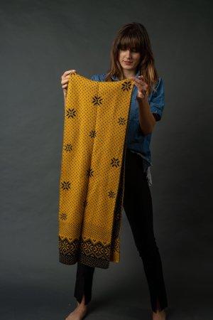 Sciarpa di lana giallo-nero