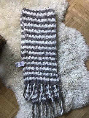 H&M Bufanda de lana marrón grisáceo-crema