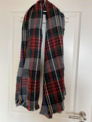 Kuscheliger Schal mit Karos von Atmosphere, neu