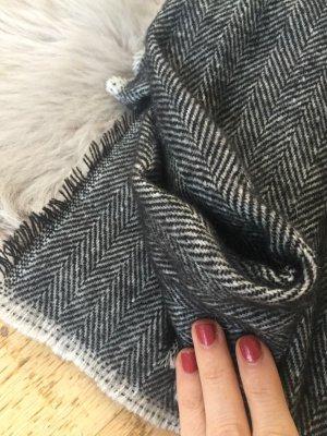 Kuscheliger Schal von Zara!