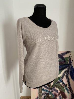 Kuscheliger Sweater von Gina, geschätzt Gr. 38