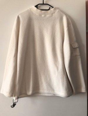 Kuscheliger weißer Pullover