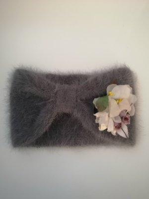 Kuscheliges Stirnband von WE ARE FLOWERGIRLS mit Flower Pin, in Mauve