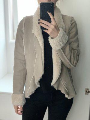 Oxmo Veste en fausse fourrure blanc cassé-crème