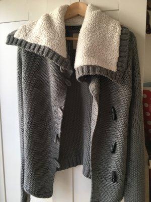Kuschlige graue Zara-Strickjacke