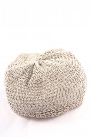 L.G.B. Szydełkowana czapka w kolorze białej wełny Siateczkowy wzór
