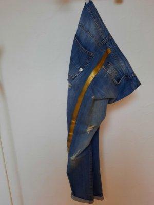 La Rinascimento destroyed Jeans