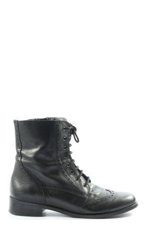La Shoe Desert Boots