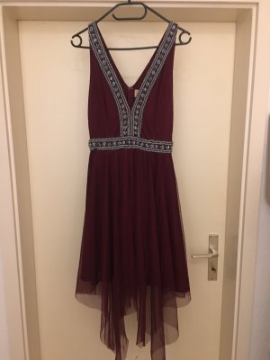 Lace and beads kleid rot
