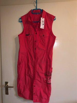 Lachsfarbendes Sommerkleid