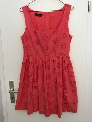 Lachsrotes Sommerkleid mit Lochstickerei von Top Shop