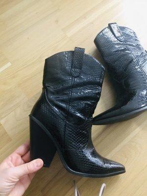 Lack Cowboy Boots
