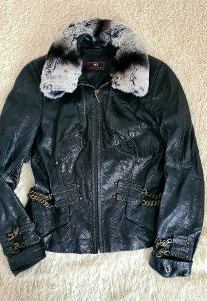 Lack jacke schwarz. Motorradjacke aus Lackleder mit Ketten. Größe 36
