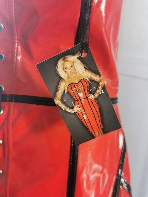 Sukienka z dekoltem typu bandeau czarny-czerwony