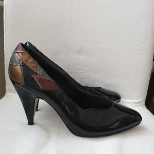 Alexis Pointed Toe Pumps black-bronze-colored