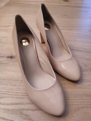 Lackleder-Pumps von Buffalo in Nude