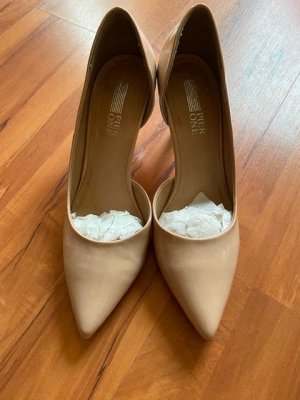 Lackpumps in nude