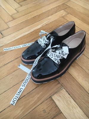 Lackschuhe  // Ambitious and unstoppable