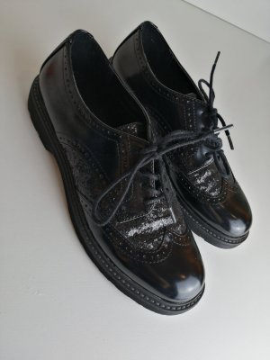 Limelight Wingtip Shoes black