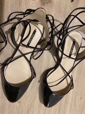 Zara Basic Bailarinas de charol con tacón negro