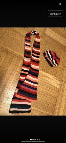 Lacoste Schal und Mütze