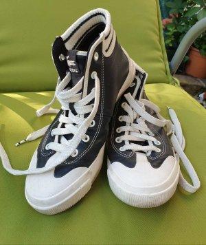 LACOSTE schwarzes Leder  Sneakers