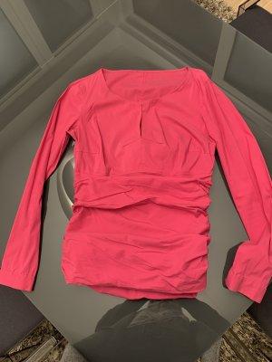 Lady in pink Bluse von Cinque