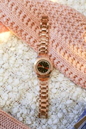 Ladylike | Elegante feminine Uhr in Roségold