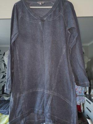 Längerer Pullover