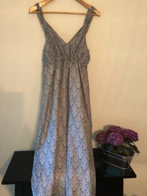 ...längeres luftiges Sommerkleid, blaues Etnomuster, Baumwollvoile