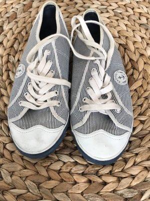 Chaussures bateau blanc-bleu foncé